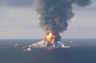 Disastro Ambientale della Piattaforma Petrolifera Deepwater Horizon
